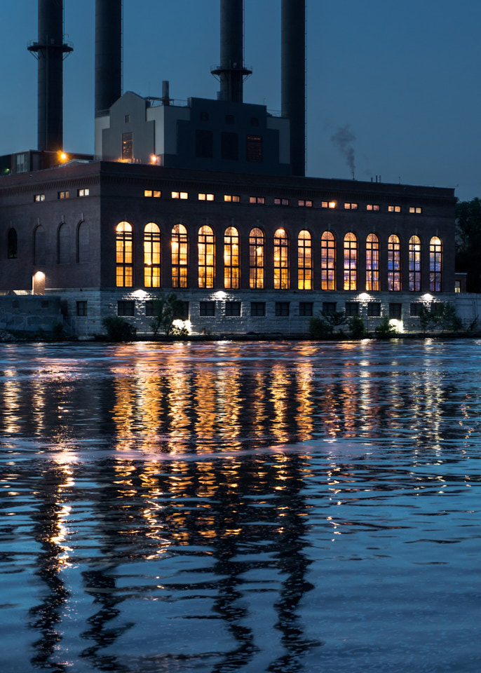 Photograph of a power plant on the Mississippi in Minneapolis