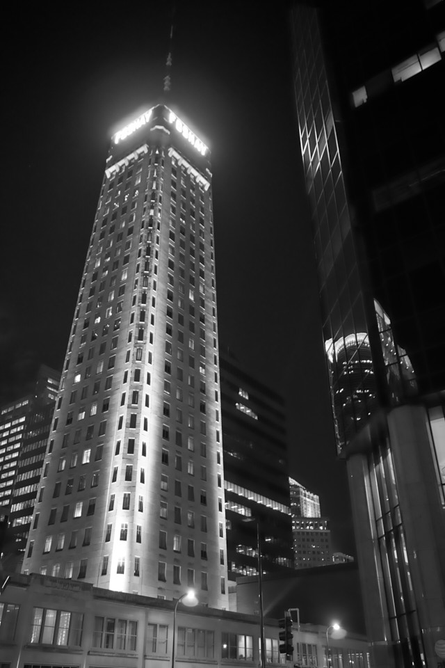 Foshay Tower, Minneapolis, at night.
